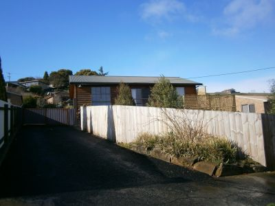 9 River Road, East Devonport