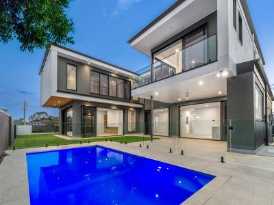 Brand New Grand Residence - Pool, Views & More