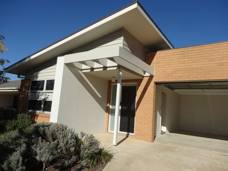 For Sale By Owner: 41 Digby Circuit, Crace, ACT 2911