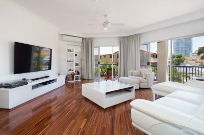 Easy Living By The Broadwater