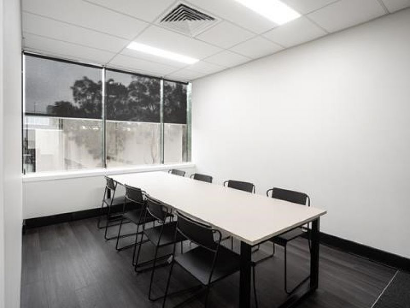 MODERN HIGH QUALITY OFFICE SUITE