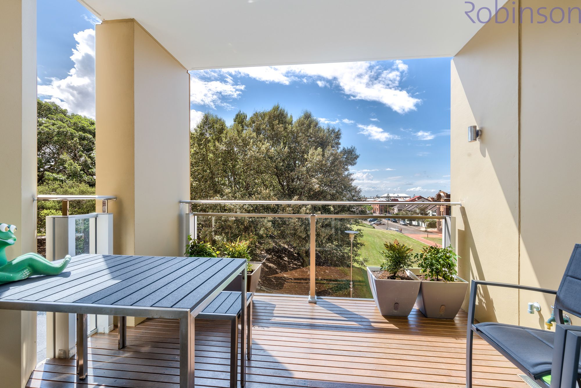 304/61 Shortland Esplanade, Newcastle