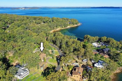 22 Promontory Way, North Arm Cove