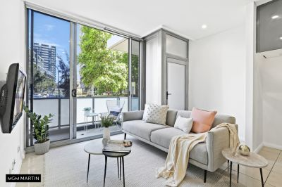 MARTIN – OVER-SIZED TERRACE STYLE ONE BEDROOM APARTMENT