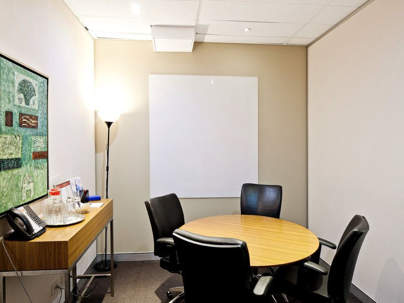 Prime CBD location in Macquarie street-Save up to 60% on your office costs with Regus!
