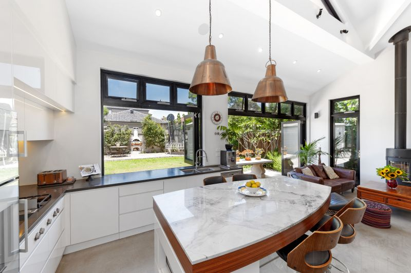FULLY FURNISHED FAMILY HOME, MODERN COMFORTS AND UPLIFTING SENSE OF SPACE