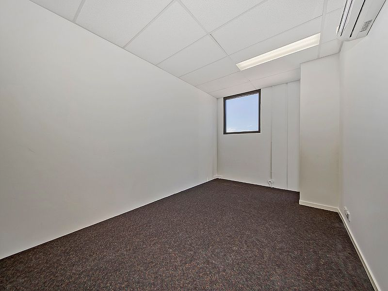 115sqm* TINGALPA OFFICE + STORAGE & SMALL YARD