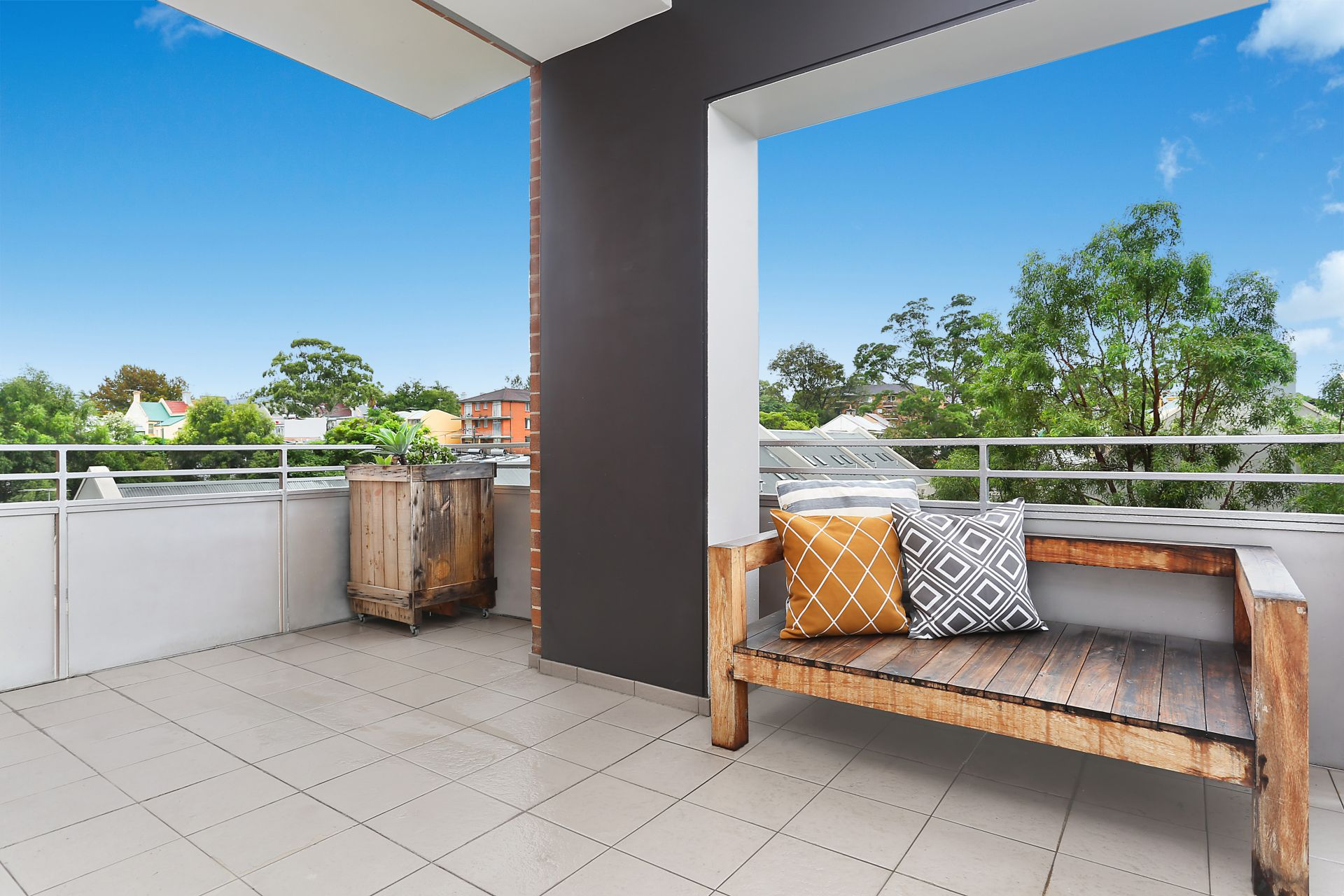 95/10 Pyrmont Bridge Road, Camperdown