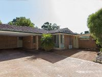 WELL MAINTAINED REAR VILLA!