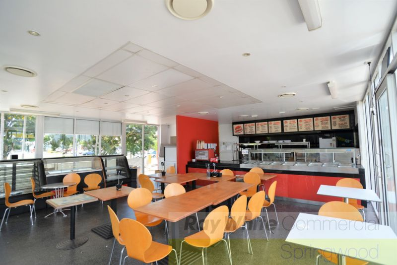 114m2* Dine In / Takeaway Restaurant with Partial Fit-Out