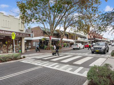 IDEAL 1 ST HOME – OWNER OCCUPIER LOW ENTRY LEVEL TO MOSMAN. SOLID INVESTMENT - STUDIO IN ORIGINAL CONDITION