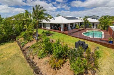 Family Entertainer On The Hill With Amazing Views