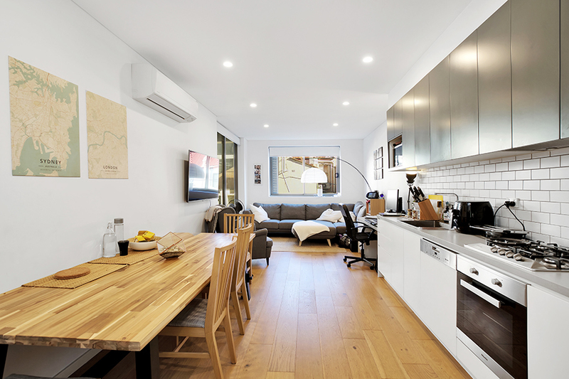 Almost New Luxury 1 Bedroom Apartment - Perfectly located!