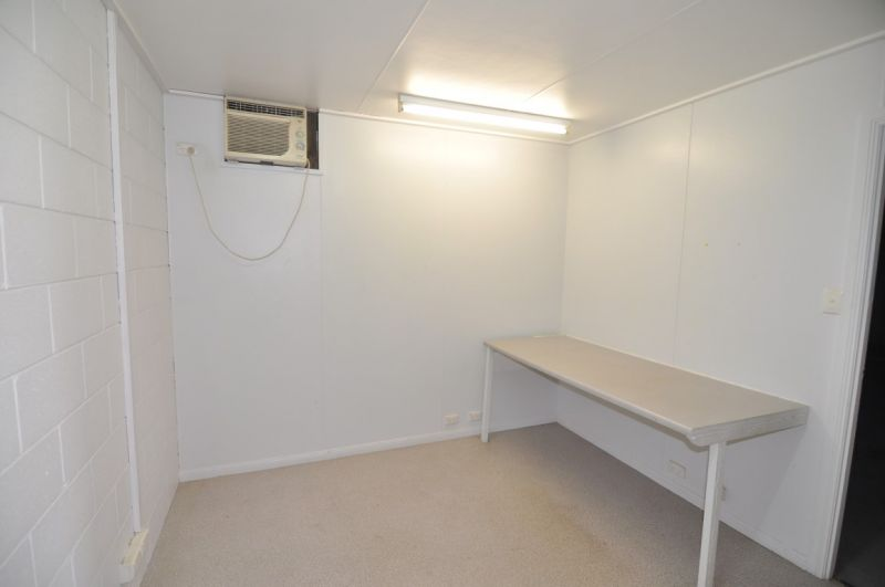 Central Garbutt office & warehouse unit with yard