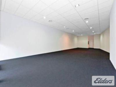 FUNCTIONAL GROUND FLOOR SHOWROOM/OFFICE