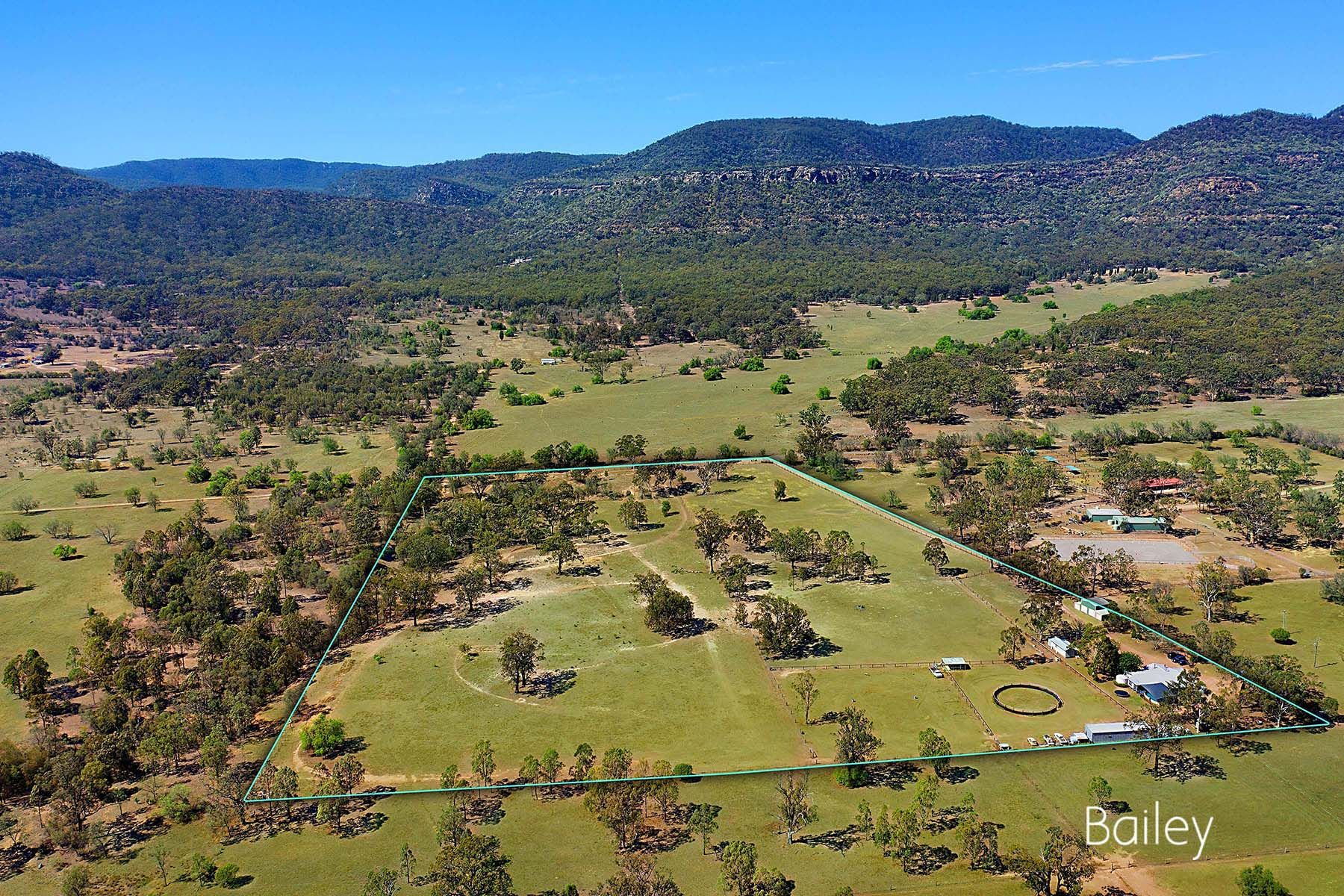 Established 25 Acre Holding, Perfect for Horses