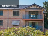 DEPOSIT TAKEN Have the best of both worlds - elevated views and immediate lift access