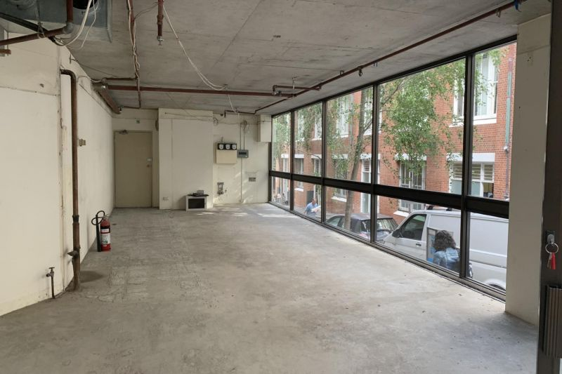 RETAIL / SHOWROOM / OFFICE 70SQM APPROX.