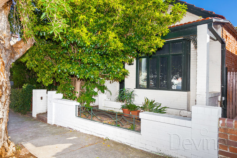 160 Albany Road, Stanmore