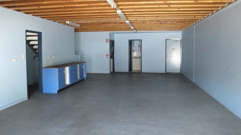 Clean and Open Plan Warehouse with Offices