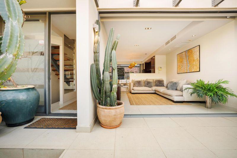 Multi-Level Designer Living in Broadbeach