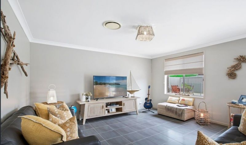 For Sale By Owner: 4 Ellalong Way, Woongarrah, NSW 2259