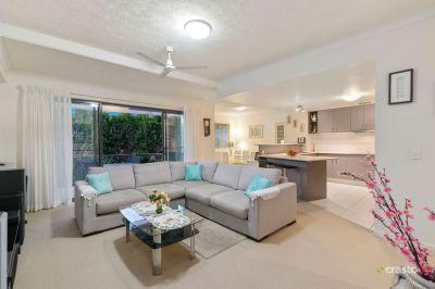 Beautifully Presented, Spacious Apartment with a Northerly Aspect