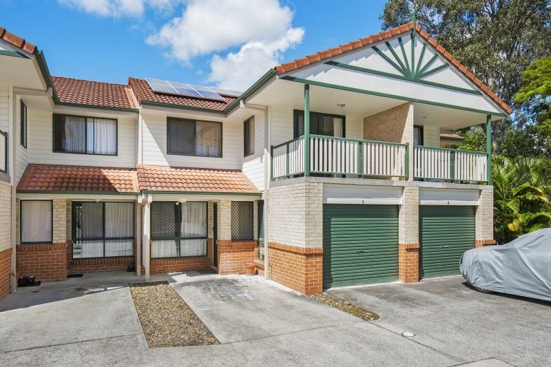 8/27-33 Mattocks Road, Burleigh Waters