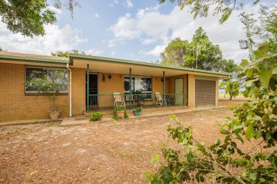 GREAT SIZE BRICK HOME ON 1 ACRE WITH BORE & LIMITED NEIGHBOURS IN SIGHT!