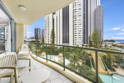 NEW TO MARKET! DUAL KEY APARTMENT WITH STUNNING OCEAN VIEWS! A MASSIVE 160 Sqm