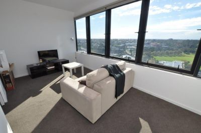Alexander Lombard Tower Apartments: Bright and Spacious Two Bedroom Apartment!