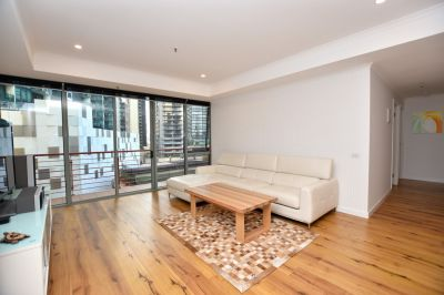FURNISHED  Renovated 2 Bedroom with Floorboards  6 Month Lease Preferred!
