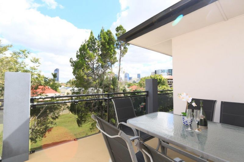 FURNISHED - KANGAROO PT - CLOSE TO CITY>