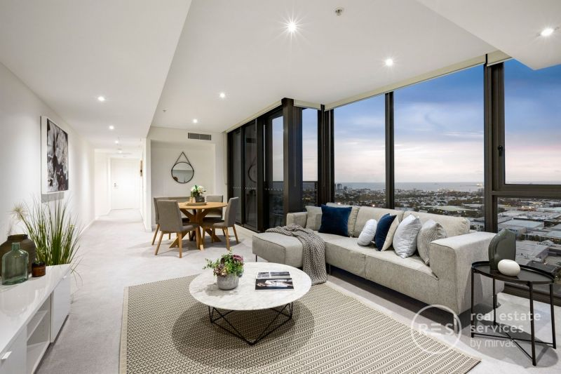 Immaculate luxury and Yarra's Edge exclusivity