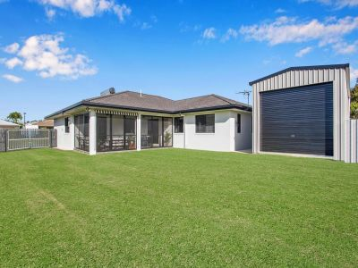 Spacious, well maintained family home in a sought after Glenella cul-de-sac