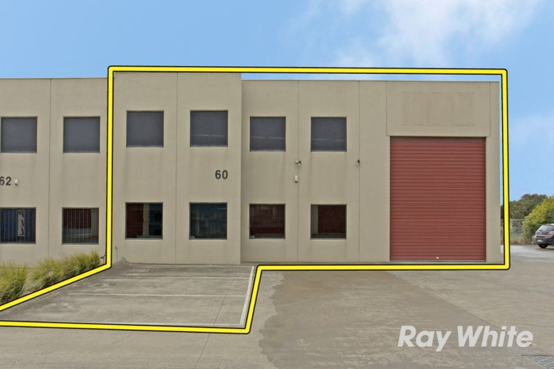 Corner Office/Warehouse with 10 car spaces – Vacant Possession!