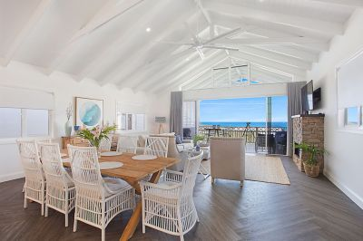 COASTAL ELEGANCE, OCEAN VIEWS FROM HAMPTONS RETREAT