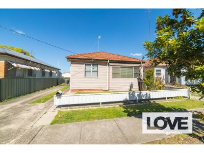 Two Bedroom Home in Popular Hamilton North - Best Offers over $390 pw