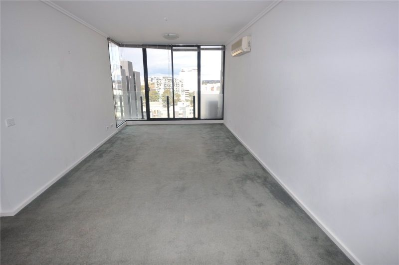The Capri: 13th Floor - Perfectly Located!