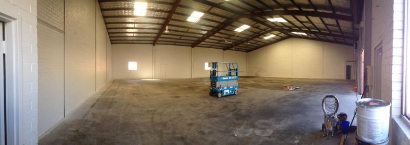 OFFICE / WAREHOUSE IN FANTASTIC LOCATION