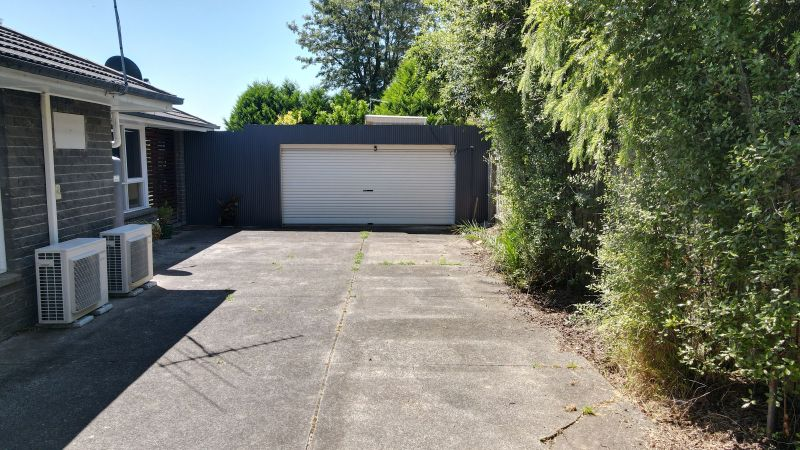 For Sale By Owner: 1799 Ferntree Gully Rd, Ferntree Gully, VIC 3156
