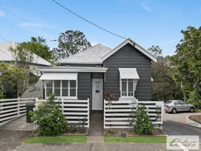 UNIQUE PADDINGTON FREESTANDING OPPORTUNITY WITH 10 CARS!