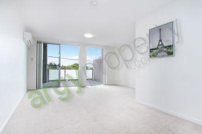 Premium, Townhouse Style Apartment