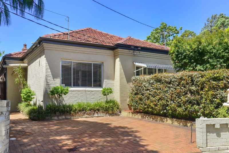 SOLD: 2-3 Bedroom Double Brick Semi
