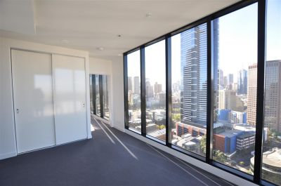 WRAP: 27th Floor - Fantastic Location + Facilities! L/B