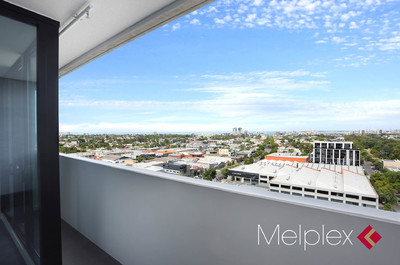 ENVIABLE LIFESTYLE WITH PANORAMIC VIEW OF PORT PHILLIP BAY