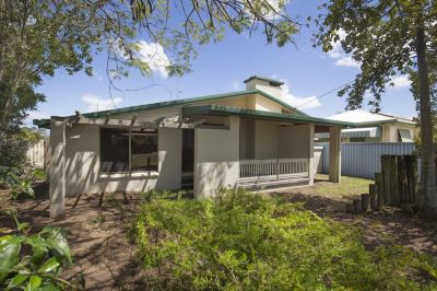 5 BEDROOMS + 3 LIVING ROOMS + 2 BATHROOM BRICK/TIMBER HOME O/A $269,000 – RUN!!!