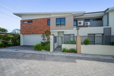 OUTSTANDING BRAND NEW TOWNHOUSE IN A SECURE COMPLEX!