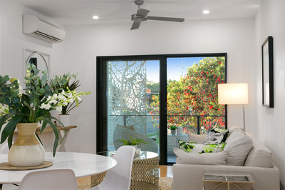 Spacious Furnished/Unfurnished Two Bedroom Executive Apartment in Yeerongpilly