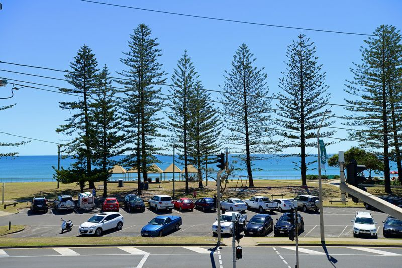 Quality First Floor Office Space For Sale   Beachfront Location, Alexandra Headland